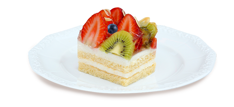 Kawałek ciasta z owocami na talerzyku