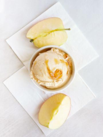 lody szarlotka, lody jabłko z cynamonem