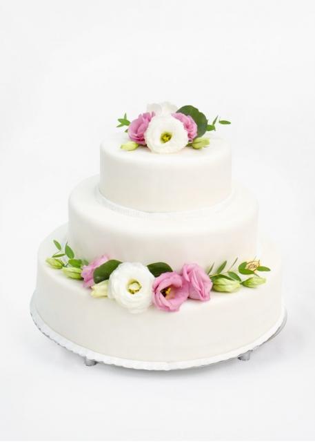 tort weselny w masie cukrowej