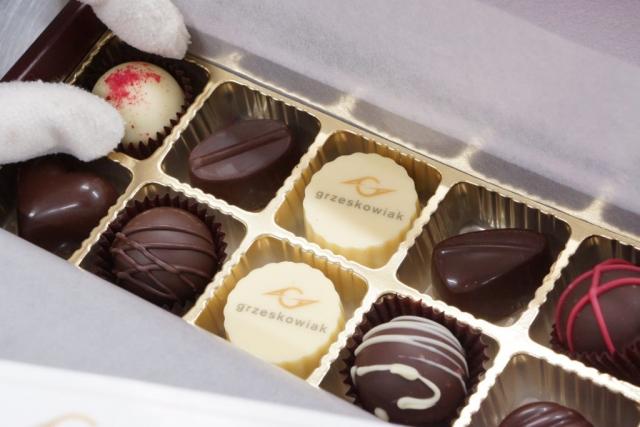 czekoladki z napisem, czekoladki z logo