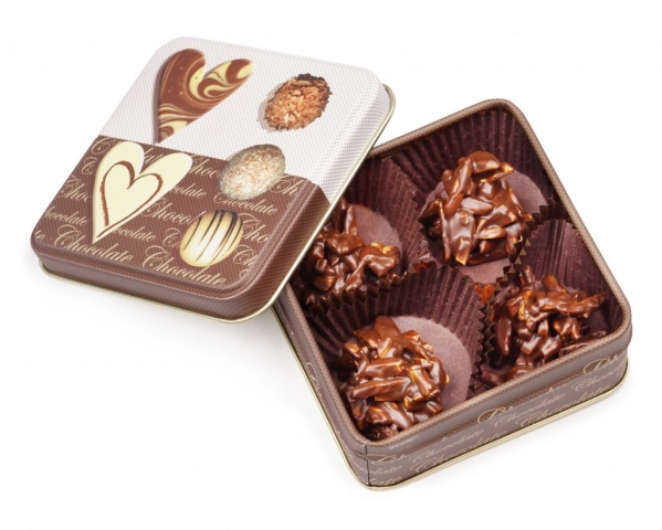 kwadratowa puszka z czekoladkami