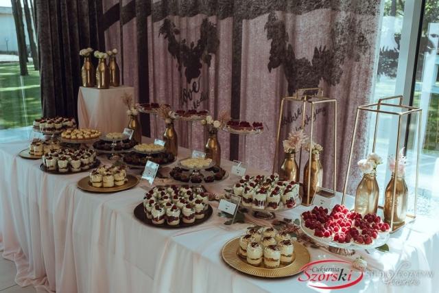 elegancki słodki catering