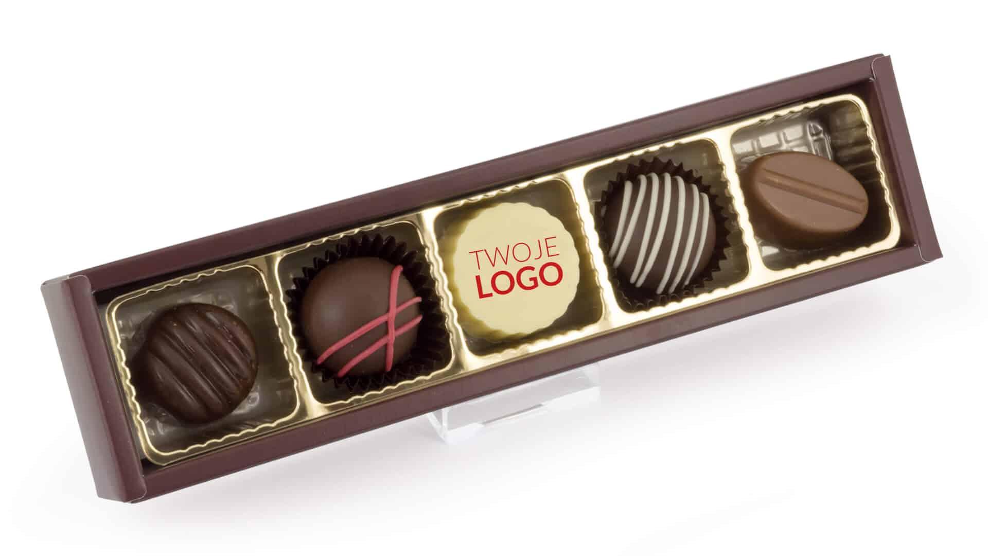 Pudełko z praliną z logo firmy
