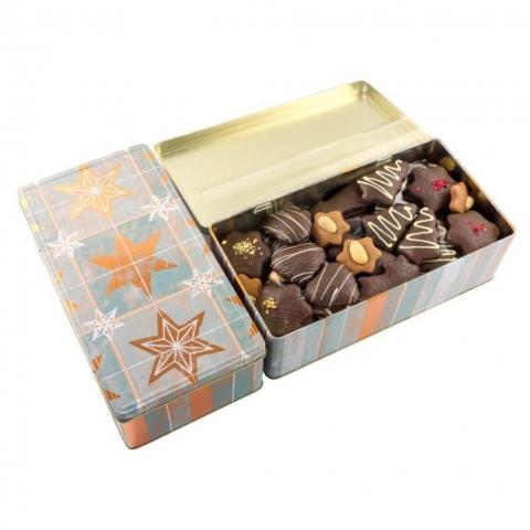 """Puszka """"Gwiazdki"""" Puszka z dekorowanymi piernikami w czekoladzie deserowej z malinami, migdałami i białą czekoladą."""